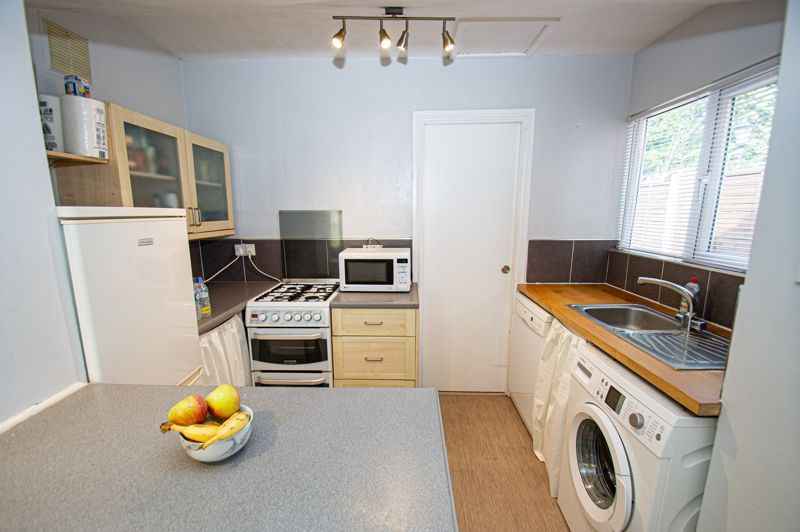 2 bed house for sale in Victoria Street 4