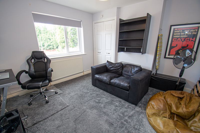 2 bed house for sale in Victoria Street 9