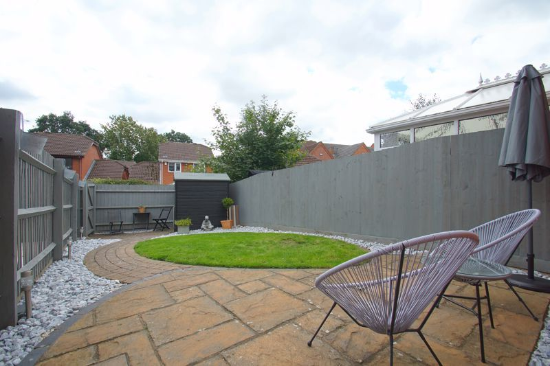 3 bed house for sale in Harris Close 12