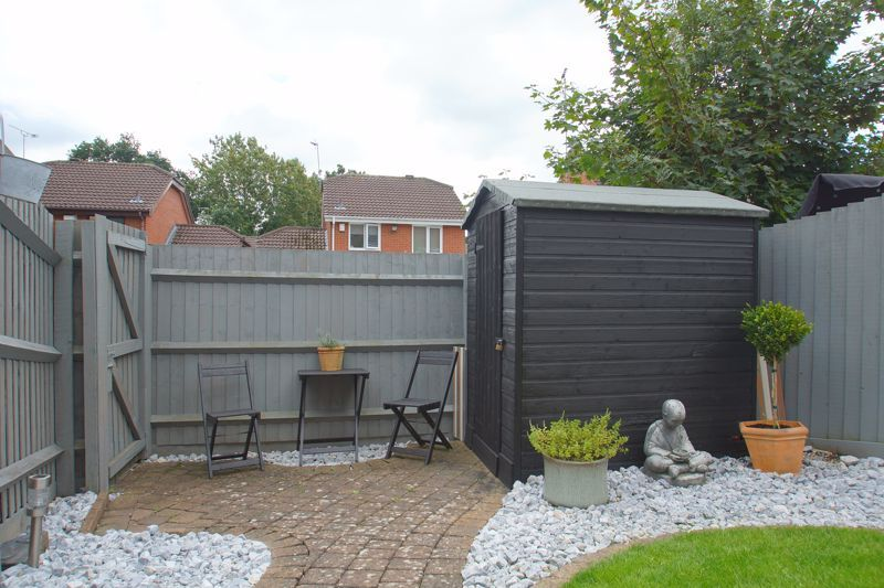 3 bed house for sale in Harris Close 13