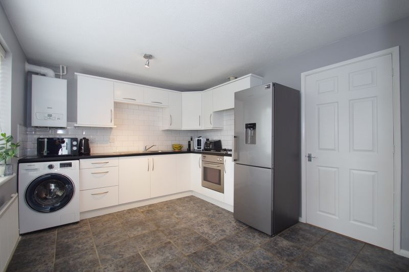 3 bed house for sale in Harris Close 4