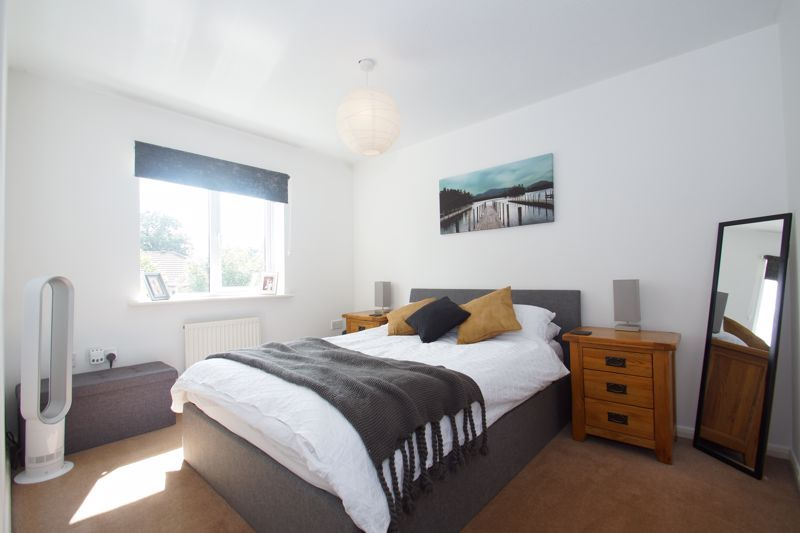 3 bed house for sale in Harris Close 6