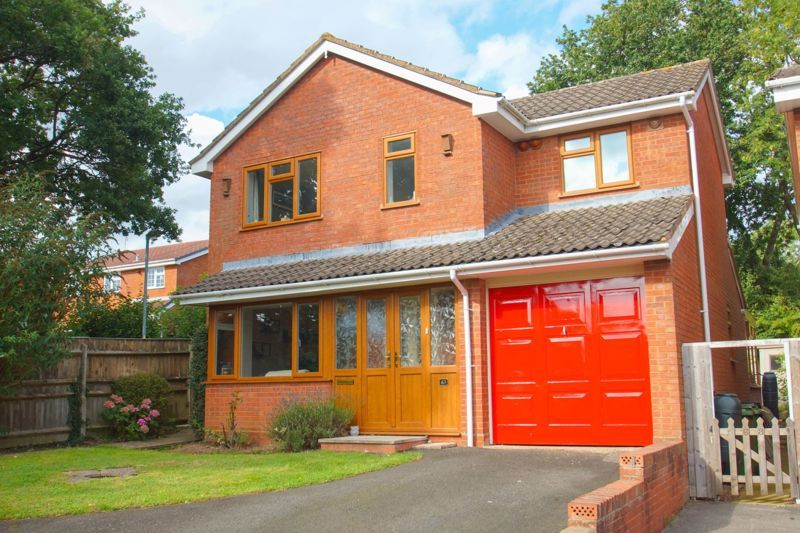 4 bed house for sale in Packwood Close 1