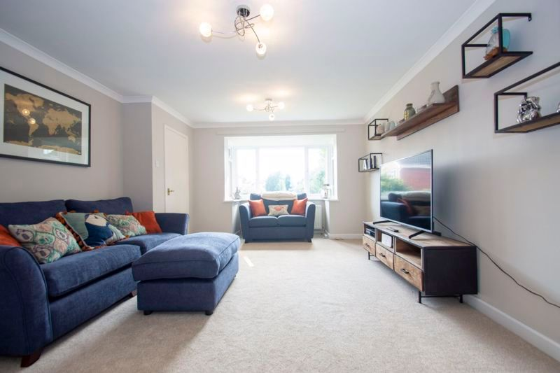 4 bed house for sale in Packwood Close  - Property Image 2