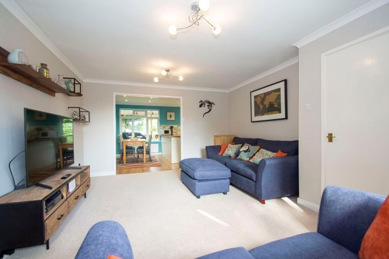 4 bed house for sale in Packwood Close 3