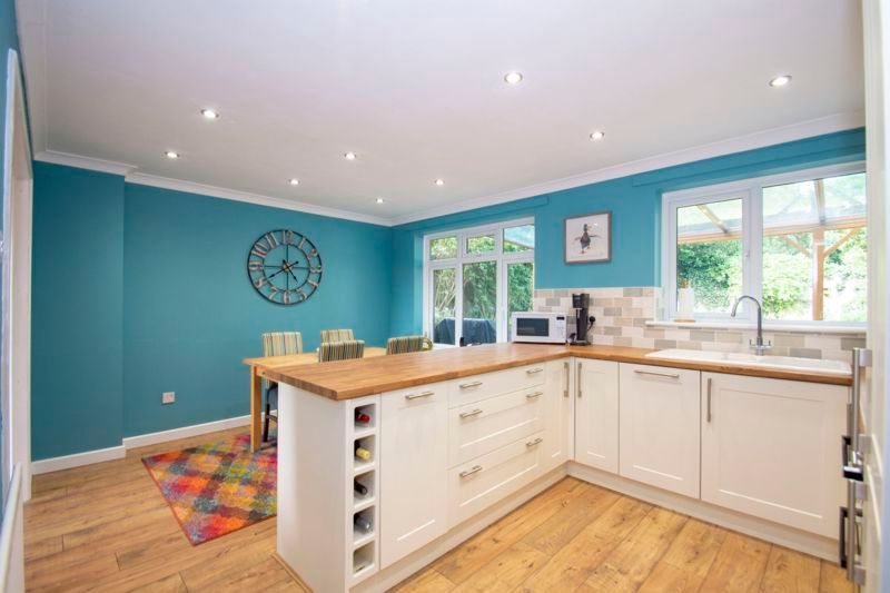 4 bed house for sale in Packwood Close 5