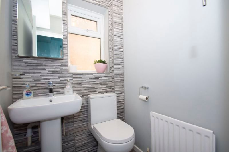 4 bed house for sale in Packwood Close 7