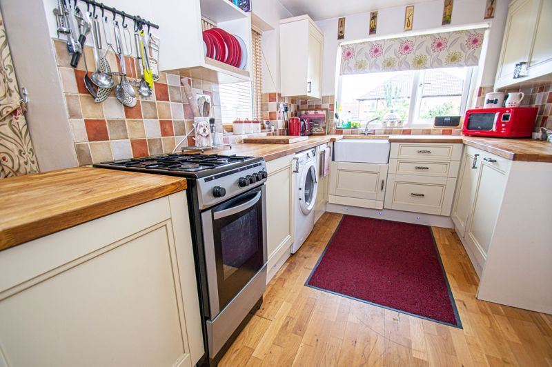 4 bed house for sale in Wheatcroft Close  - Property Image 5