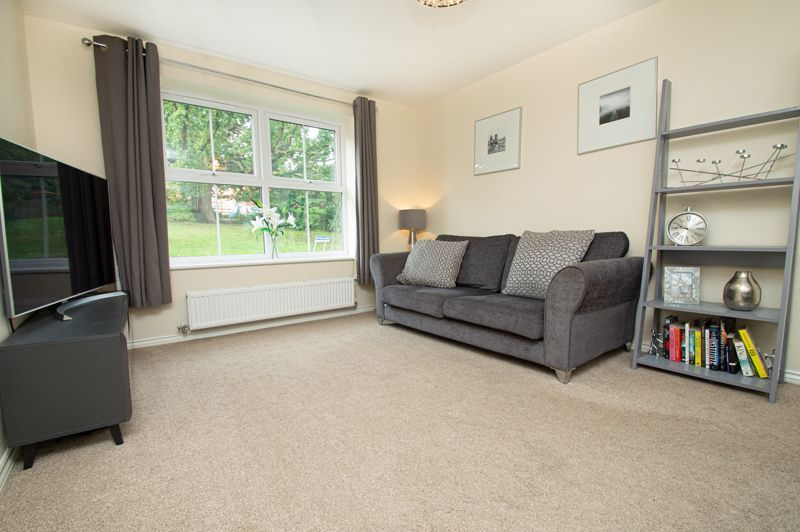 4 bed house for sale in Hatton Close  - Property Image 2