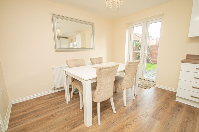 4 bed house for sale in Hatton Close 12
