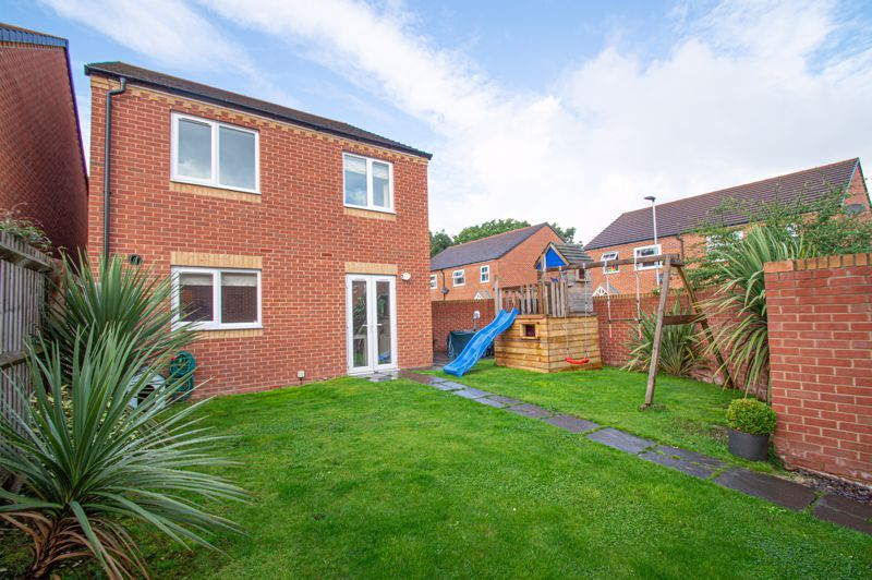 4 bed house for sale in Hatton Close  - Property Image 14