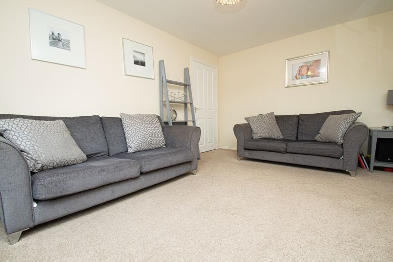 4 bed house for sale in Hatton Close  - Property Image 19