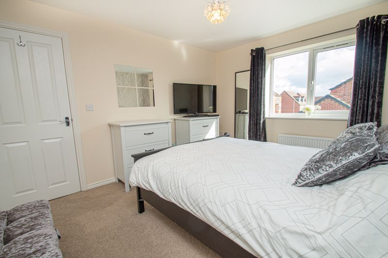 4 bed house for sale in Hatton Close  - Property Image 20