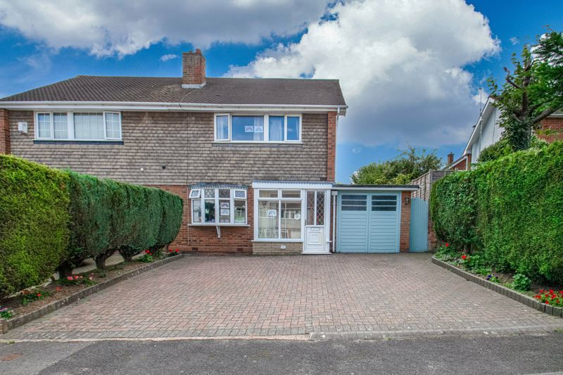 3 bed house for sale in Brueton Drive 1