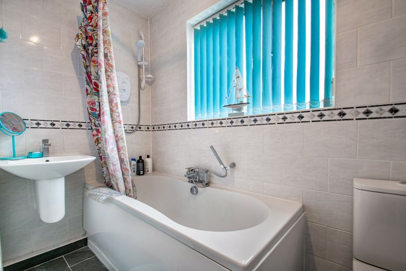 3 bed house for sale in Brueton Drive 11