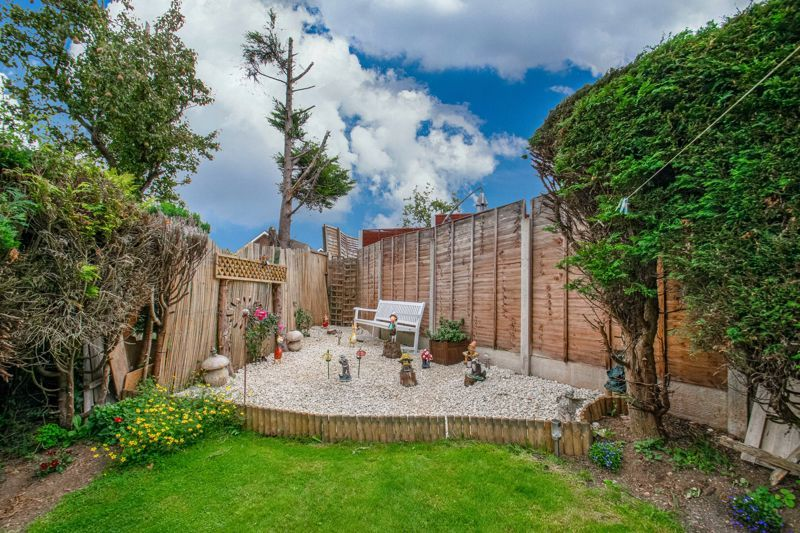 3 bed house for sale in Brueton Drive 13