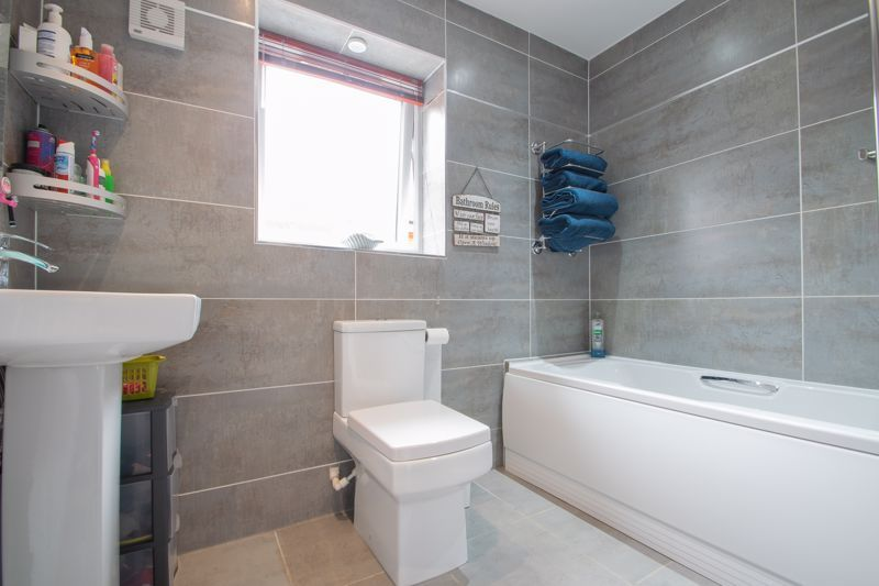 3 bed house for sale in Hagley Road 12