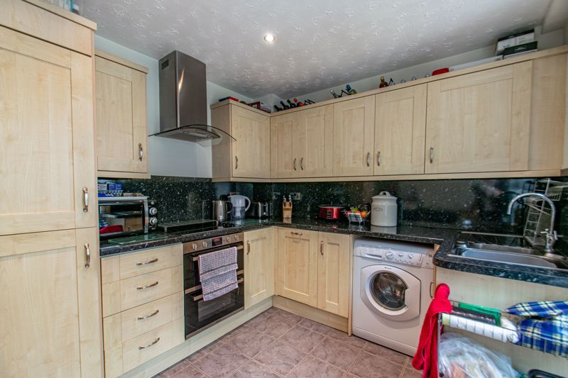 2 bed house for sale in Bilbury Close 3