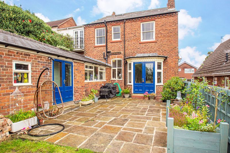 4 bed house for sale in Parkfield Road 13