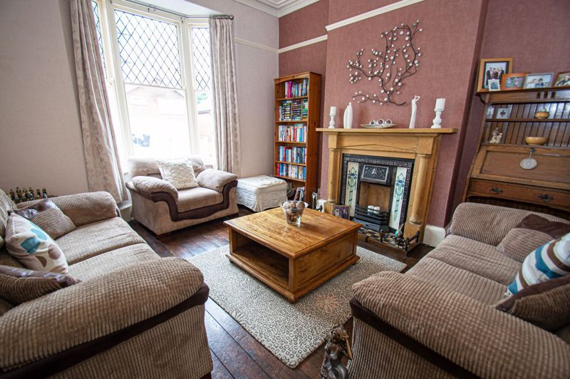 4 bed house for sale in Parkfield Road  - Property Image 3