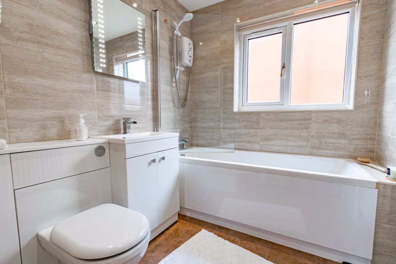 4 bed house for sale in Meadowvale Road  - Property Image 11