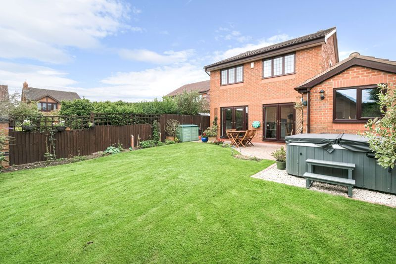 4 bed house for sale in Meadowvale Road  - Property Image 13
