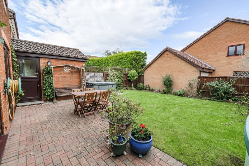 4 bed house for sale in Meadowvale Road  - Property Image 14