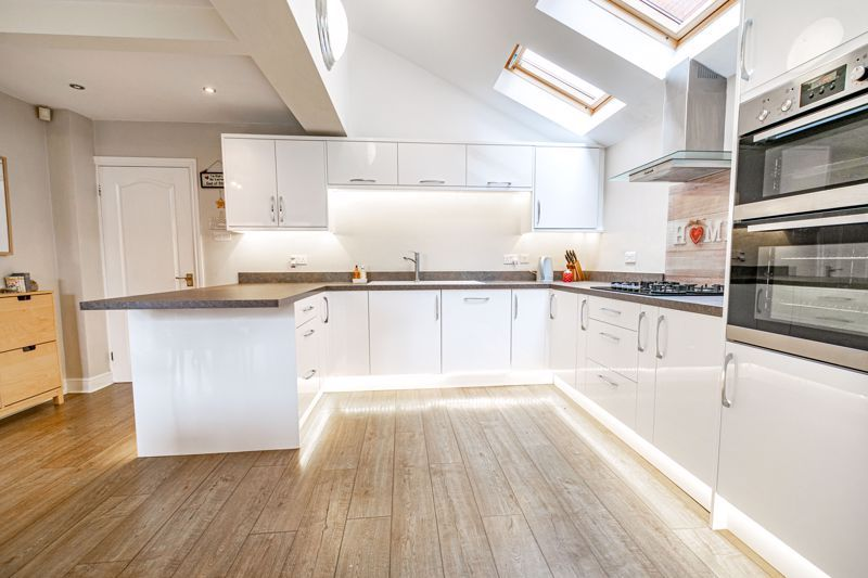4 bed house for sale in Meadowvale Road  - Property Image 17