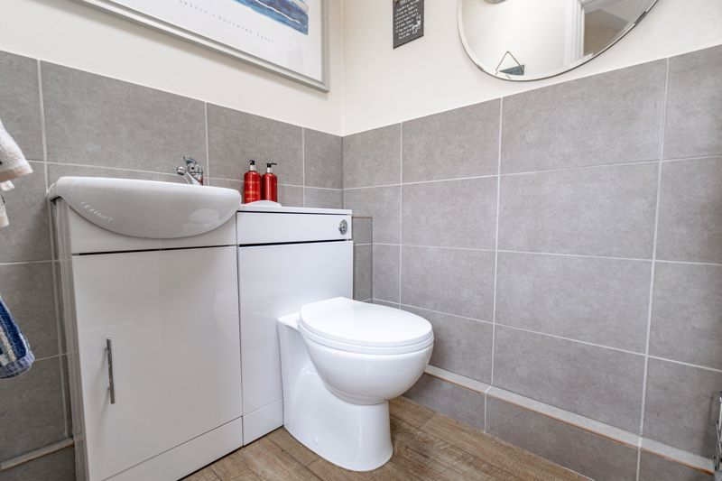 4 bed house for sale in Meadowvale Road  - Property Image 18