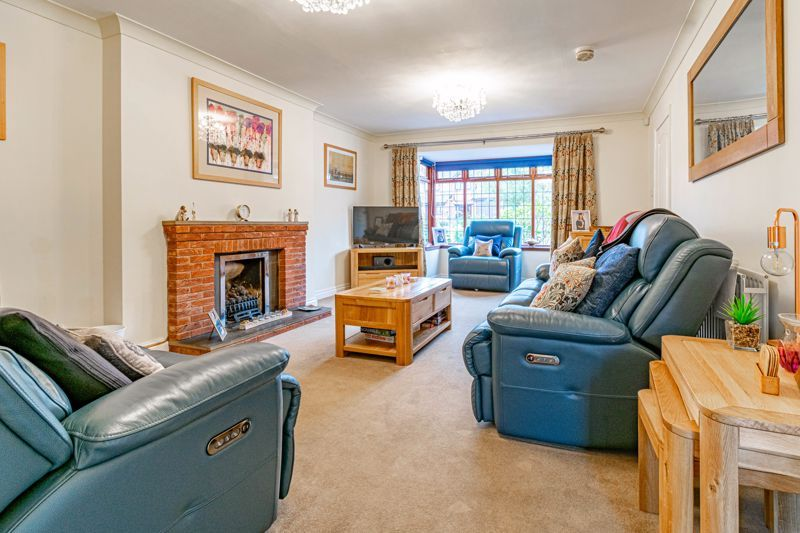 4 bed house for sale in Meadowvale Road  - Property Image 5