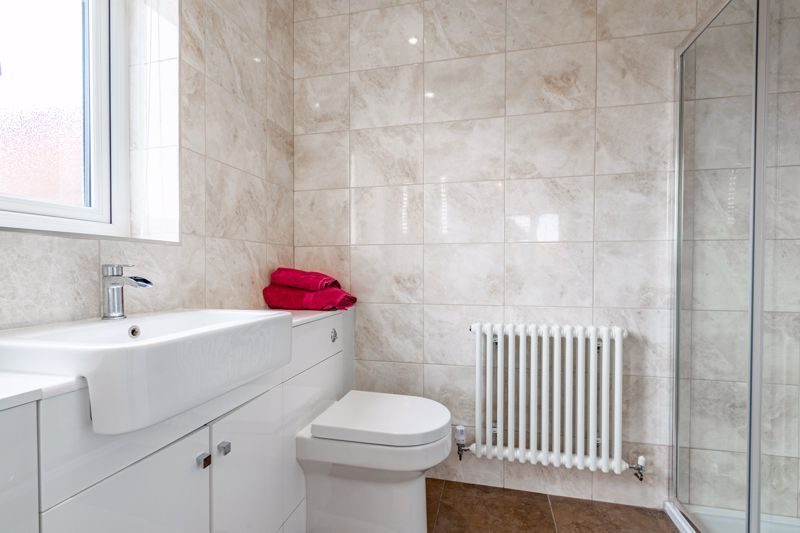4 bed house for sale in Meadowvale Road  - Property Image 7