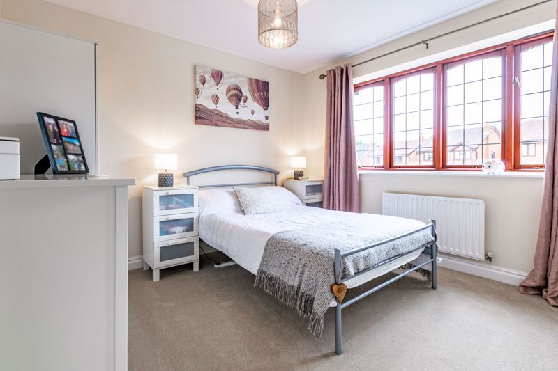 4 bed house for sale in Meadowvale Road  - Property Image 8