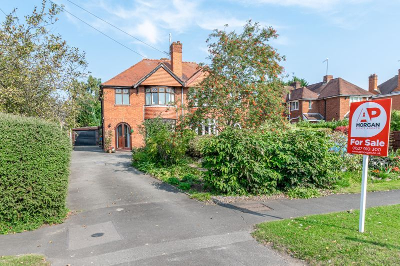 3 bed house for sale in Redditch Road 1