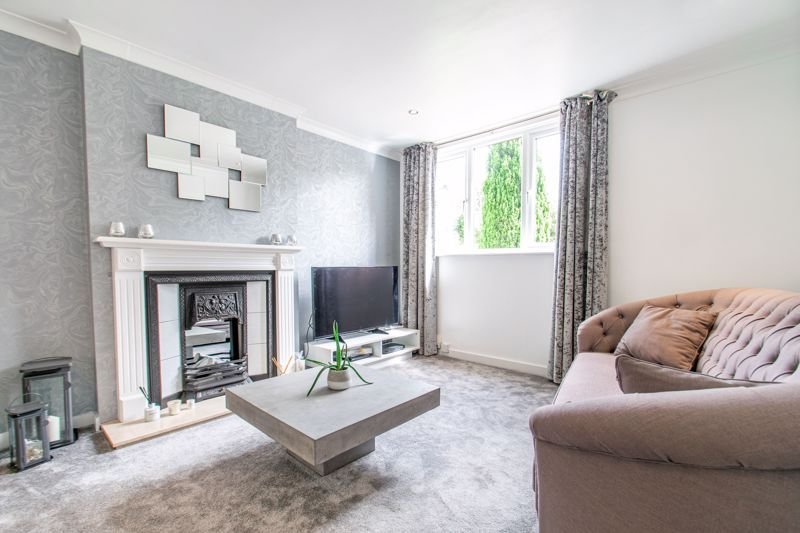 3 bed house for sale in Edgeworth Close  - Property Image 4