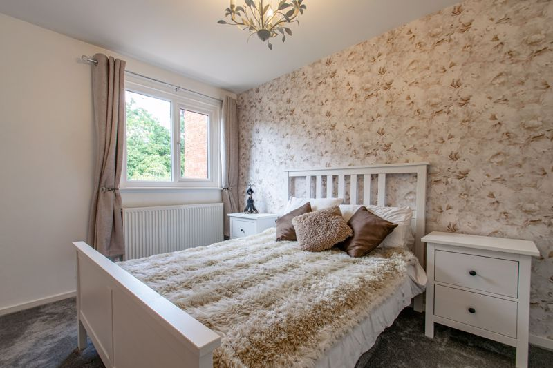3 bed house for sale in Edgeworth Close 8