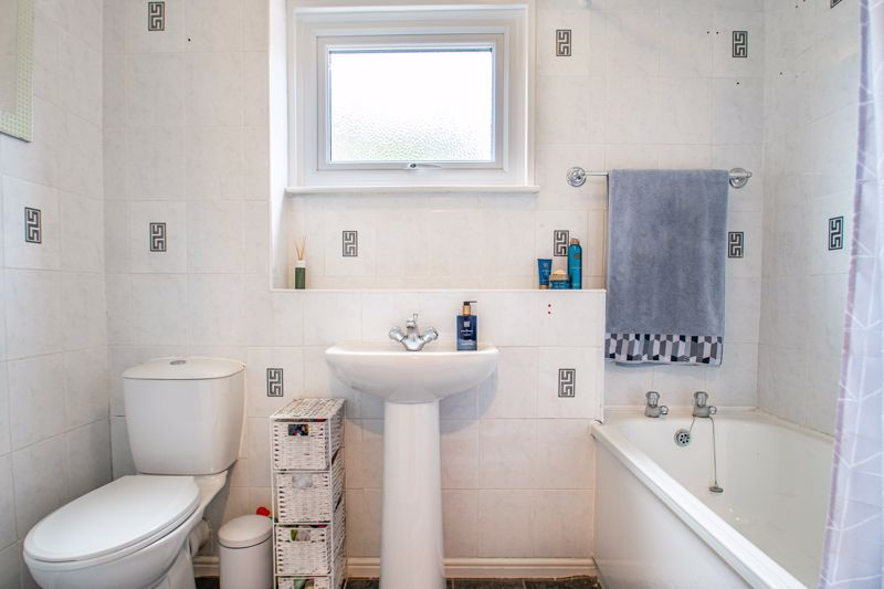 3 bed house for sale in Edgeworth Close  - Property Image 10