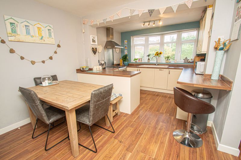 3 bed house for sale in Marlborough Drive 4
