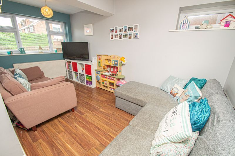 3 bed house for sale in Marlborough Drive 5