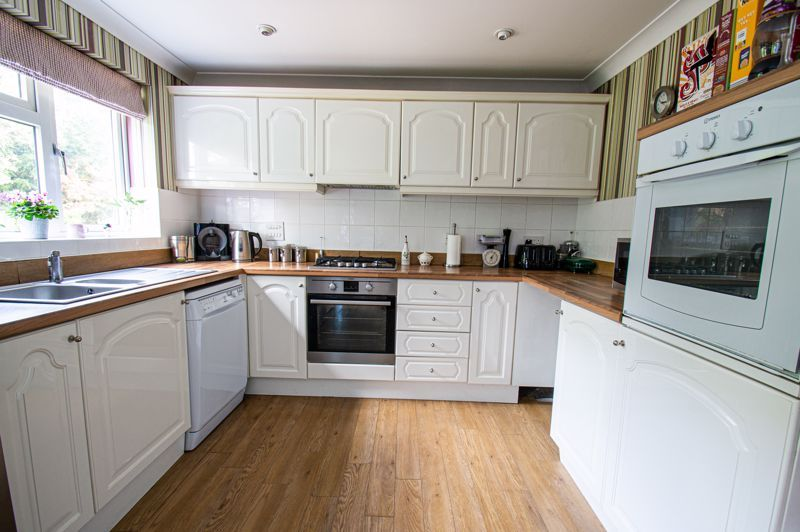 5 bed house for sale in Carthorse Lane  - Property Image 2