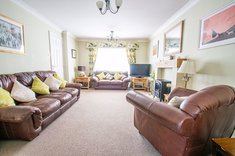 5 bed house for sale in Carthorse Lane 16