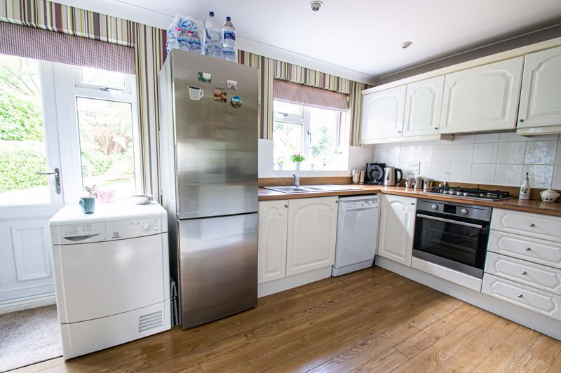 5 bed house for sale in Carthorse Lane 17