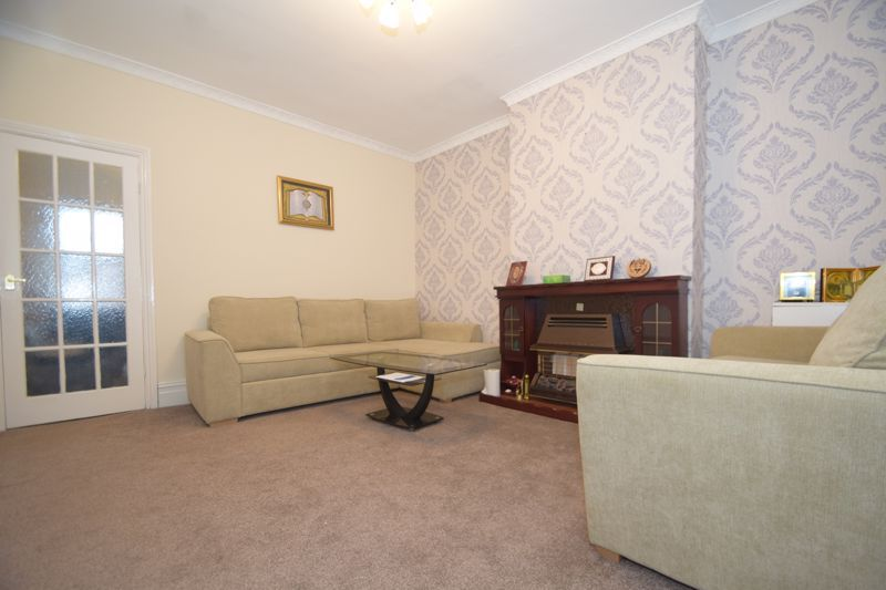 3 bed house to rent in Marsden Road 2