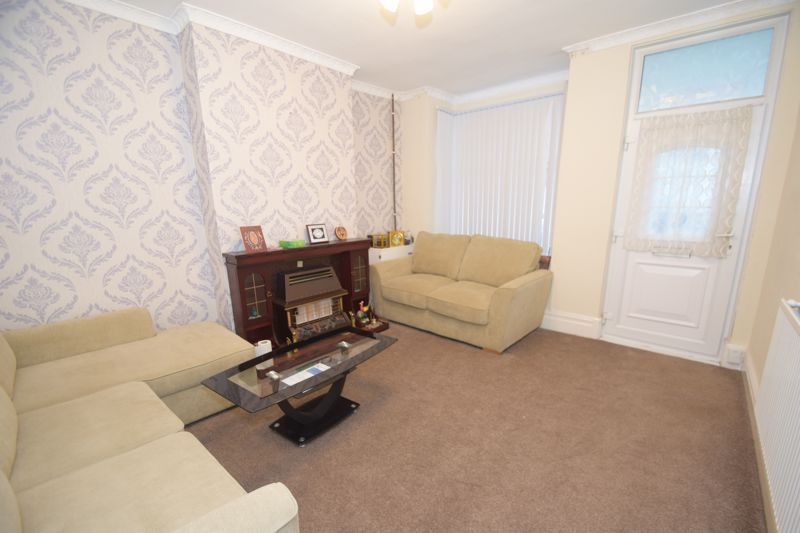 3 bed house to rent in Marsden Road 3