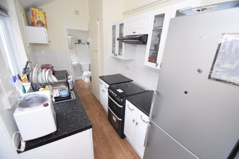 3 bed house to rent in Marsden Road 5