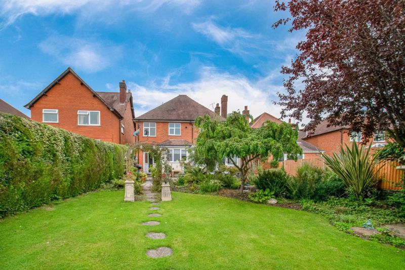 4 bed house for sale in The Meadway 19