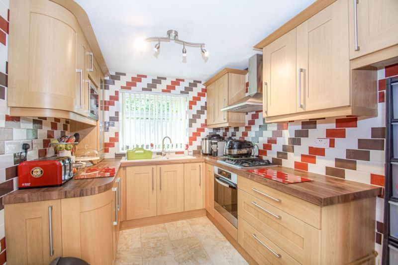 4 bed house for sale in Northleach Close  - Property Image 2