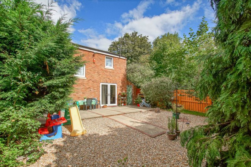 4 bed house for sale in Northleach Close 13