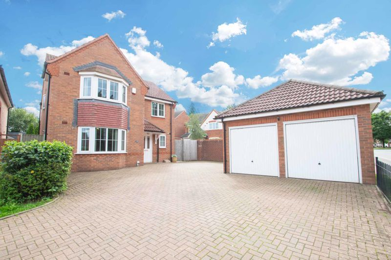 4 bed house for sale in Portway Road  - Property Image 1