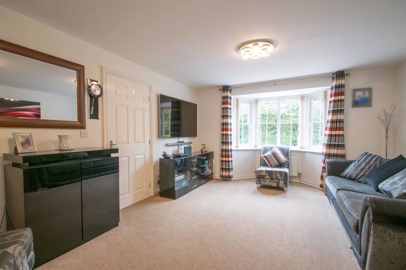 4 bed house for sale in Portway Road  - Property Image 3