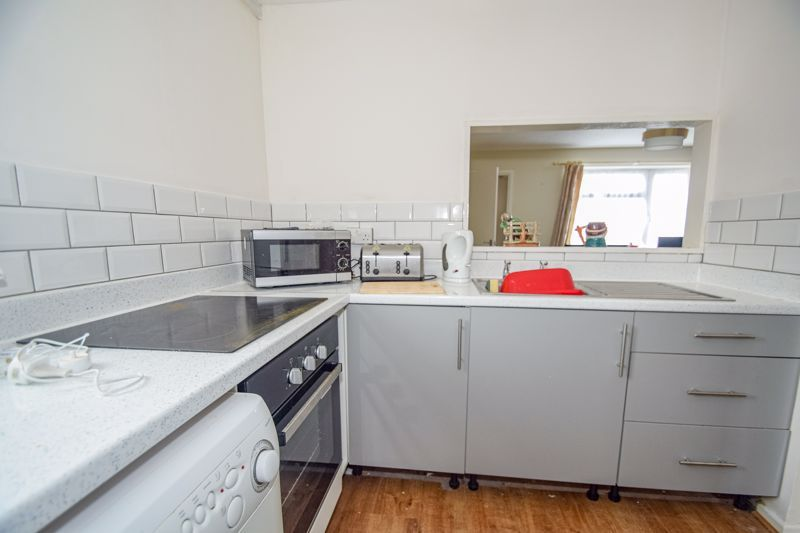 1 bed flat to rent in Hafren Close 5